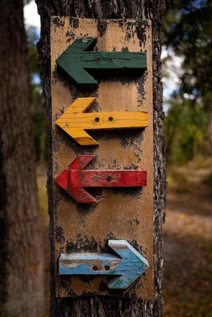 Colorful arrows pointing left and right